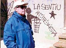 Sans Ricart, nacido en Barcelona en 1915, ha publicado libros como 'Escoltant al meu avi', 'Comissari de xoc', 'Comisario de guerra en el exilio', 'Reflexiones de un libertario' y el reciente 'El dia de les sirenes'.